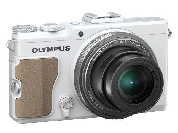 "Olympus XZ-2 Kompaktkamera (12 MP, 4x Zoom, 3"" LCD-Display, bildstabilisiert) weiß für 200,86 € @Amazon.es"