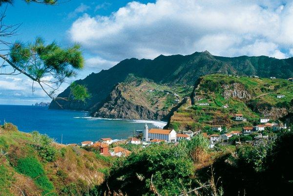 Flüge: Madeira plus Lissabon ab Luxemburg 69,- € hin und zurück - auch ab Basel (83,- €), Hamburg (93,- €), Bremen (103,- €), Hahn (103,- €) und Berlin (111,- €) (November - Dezember)