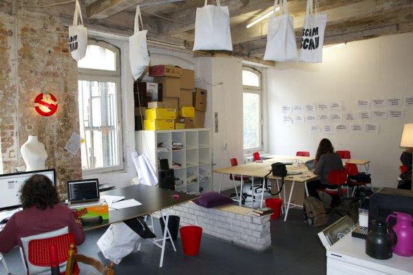 Kostenloser Coworking Probetag im Coworking Neukölln (in Berlin) / Vergleichspreis mindestens 12€