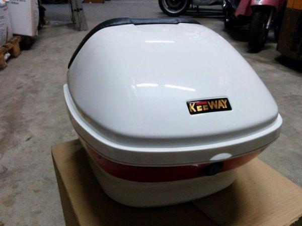 Top Case der Marke Keeway für Motorroller - universal einsetzbar ! - 12,89€