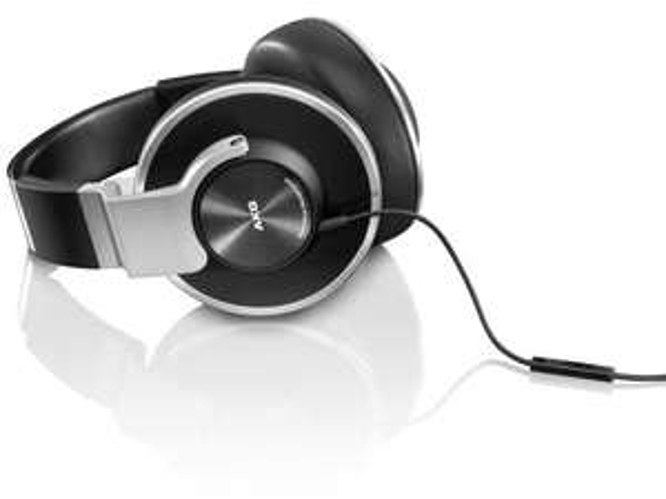 AKG K551 On Ear Kopfhörer für 63,43 € @Amazon.es