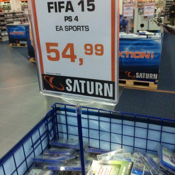 Saturn HH Altstadt FIFA 15 alle Konsolen 54,99€ schon heute