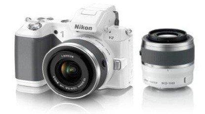 Nikon 1 V2 Systemkamera mit 10-30mm und 30-110mm Kit Weiss