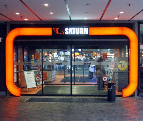 Saturn Sankt Augustin feiert Geburtstag  zB. iPhone 5s