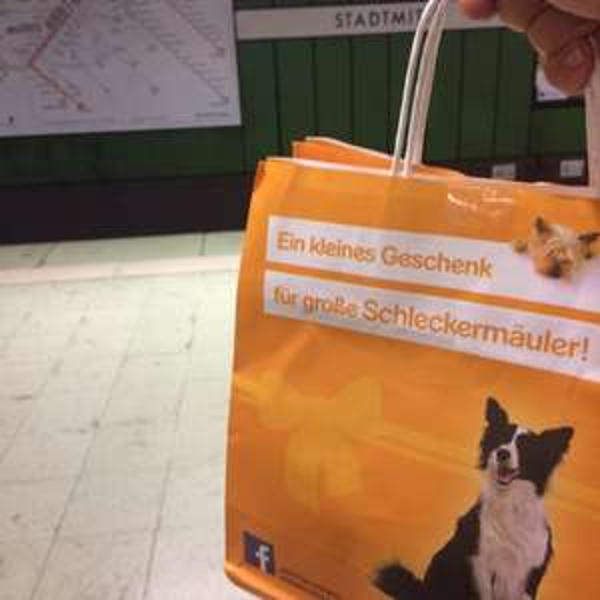 [Lokal Stuttgart] Gratis Pedigree Hundefutter an der S-Bahn Haltestelle Stadtmitte