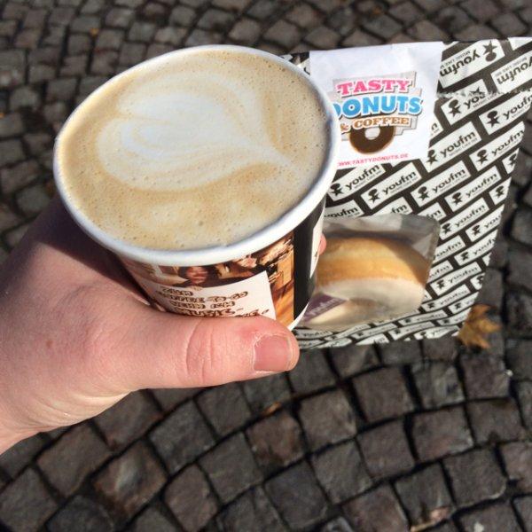 Kaffespezialitäten + Donut Darmstadt Karolinenplatz