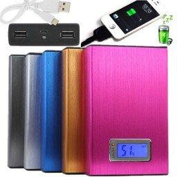 12000mAh Alu PowerBank / Mit LCD-Display & USB Datenkabel 12,87€ inkl. Versand / verschiedene Farben erhältlich.