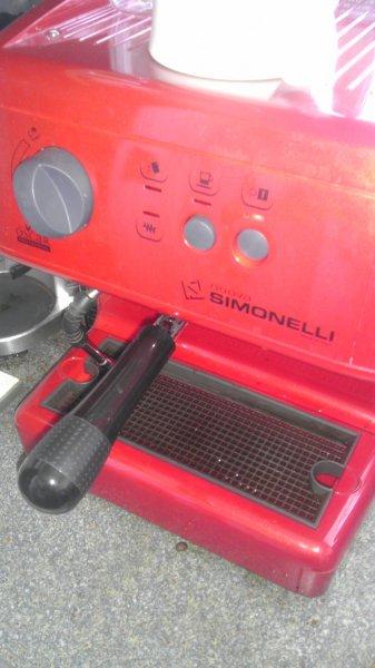 Espressomaschine Nuova Simonelli Oscar (Zweikreiser;schwarz) 575€ versandkostenfrei aus IT oder 620€ mit OPV