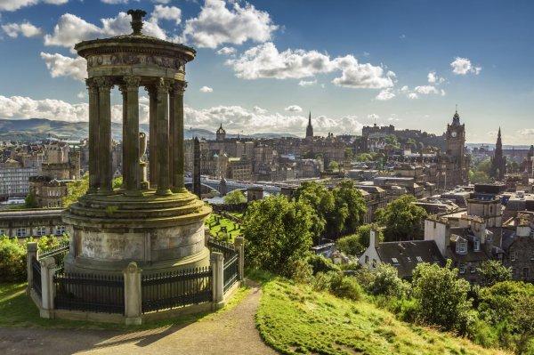 Edinburgh im Winter für 2 Personen inkl. Flüge, 3 Übernachtungen & Frühstück 378€