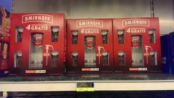 [METRO FRANKFURT] THREE SIXTY 3 L + GLÄSER 59,99€, ABSOLUT 4,5L + GLÄSER  105€ , SMIRNOFF ICE Wodka 3 L + GLÄSER + DOSIERPUMPE GRATIS - NUR 47,59€