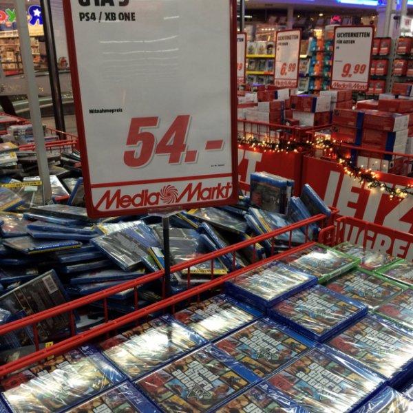 GTA 5 für die PS4 und One für 54 Euro [Lokal MM Paderborn]