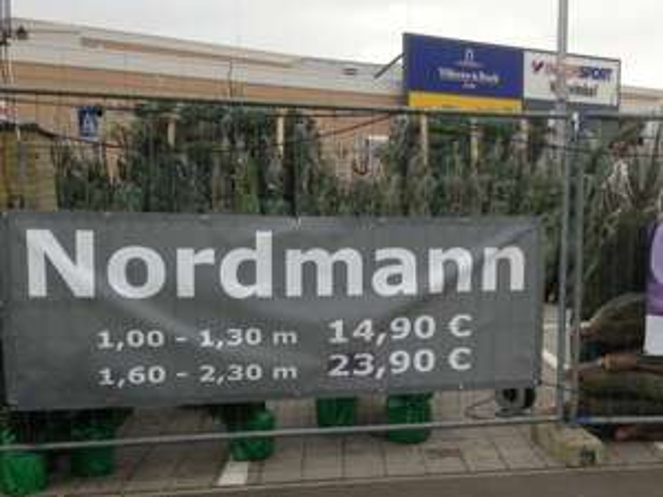 [evtl. lokal] Weihnachtsbaum @ IKEA Lübeck: Nordmanntanne 1 - 1,30m für nur €12,90 oder 1,6 - 2,3m für nur €21,90