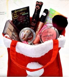 HEUTE am 6.12. zwischen 12 und 20 Uhr: essence verteilt nikolaus-geschenktäschchen