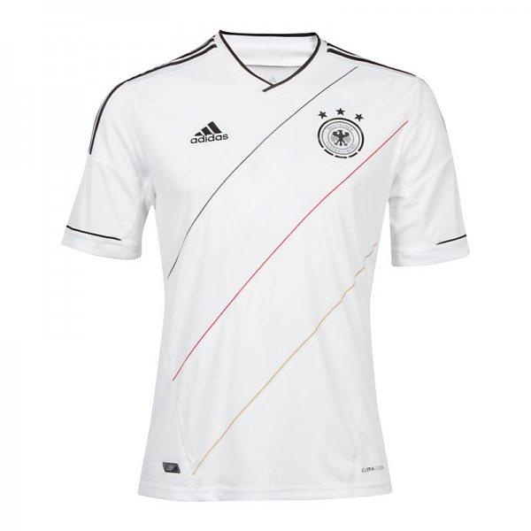 DFB Trikot Home EM 2012 Kinder für 15,96,- €- - Away für 11,96 - bei Outfitter (Versandkostenfrei)