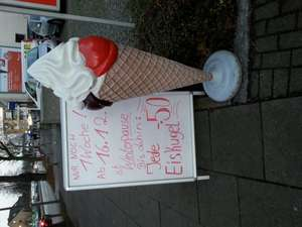 [Hamburg] Eiskugel für 0,50 € im Eiscafe Röhling