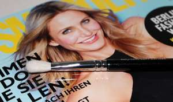 OFFLINE - Cosmopolitan + Zoeva 227 Soft Definer Augenpinsel