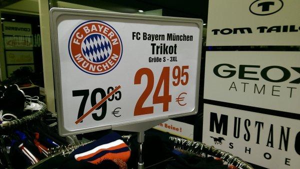 [lokal] Bayern München Trikot 13/14 Schuhcenter Göttingen