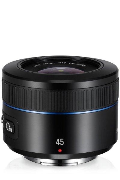Samsung Objektiv NX 45mm 1.8 i-Function (EX-S45ANB) @Amzazon.it