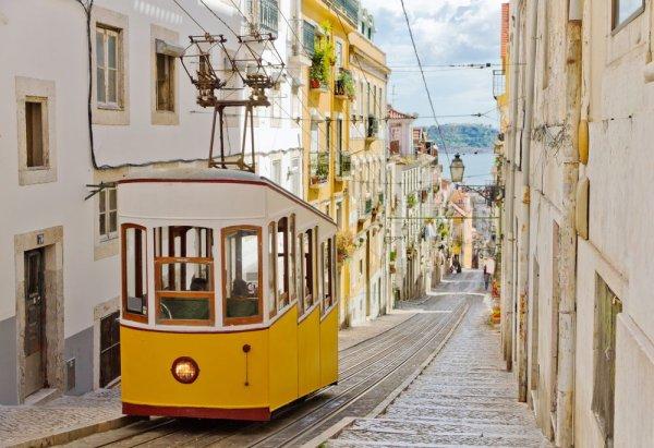 Flüge: Ryanair zu vielen Zielen im Januar jetzt ab 9,99 Euro je Strecke (u.a. Rom, Lissabon, Valencia, Bari, Porto, Malaga etc)