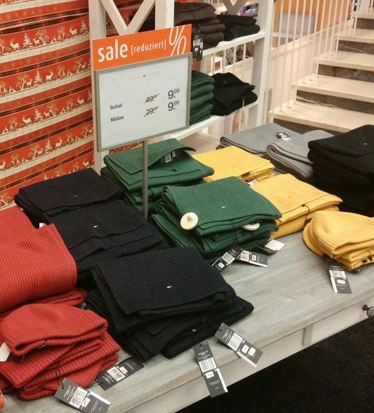 [Lokal] Galeria Kaufhof Duisburg Tommy Hilfiger Strickschals in allen Farben für 9,99€ statt 49,99€