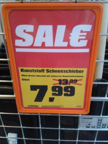Lokal OBI Frankfurt.Kunststoff Schneeschieber von 13,99 € auf 7,99 € reduziert