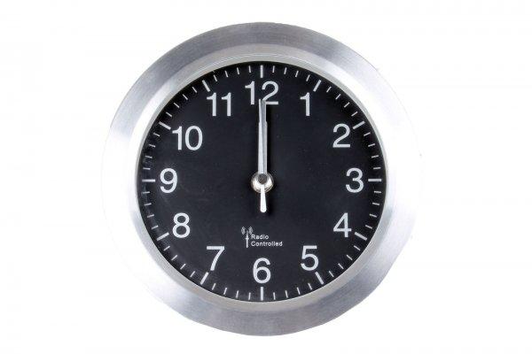 Technotrade Funk Badezimmer Uhr mit Saugnäpfen Aluminium 190x190x58mm für 8,50€ inkl. Versand