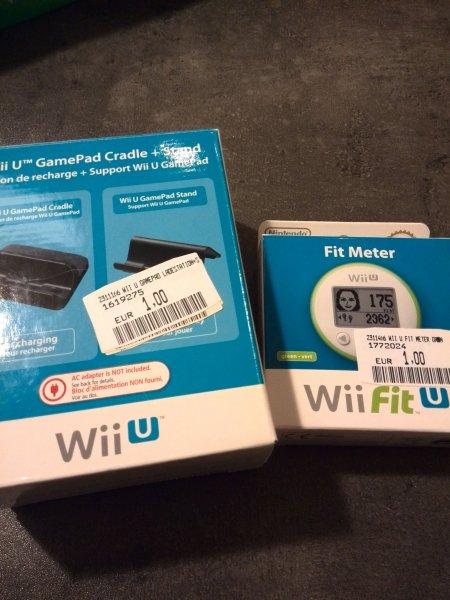 Media Markt Bochum Wii U Fit Meter und Wii U GamePad Stand