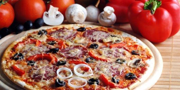 [Stuttgart] Pizza oder Pasta nach Wahl + Salat + Tiramisu, für 7,60€ statt 15,25€ bei Spaghettisssimo mitten in d. City!