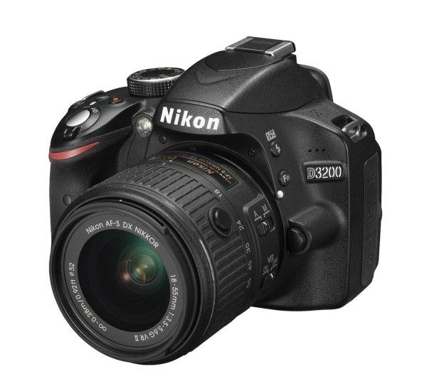 "Nikon™ - Digitale Spiegelreflexkamera ""D3200 Kit"" (inkl. Objektiv AF-S DX 18-55 VR II) für €299.- [@Redcoon.de]"