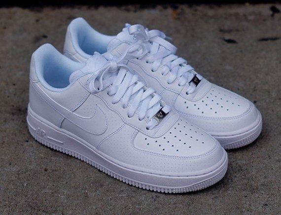 Nike Air Force 1 '07 low (Größen 44,5-45,5) *jetzt auch 40,5 & 41*