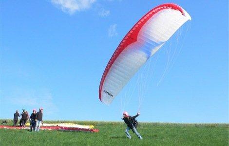 3- bis 4-tägiger Paragliding-Grundkurs inkl. Leihausrüstung in Wiesbaden oder Lechtal (Tirol) 99 Euro