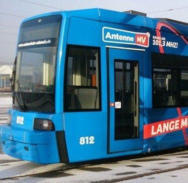 [Lokal Schwerin] Antenne MV bringt Farbe auf die Gleise und lässt Schweriner kostenlos Straßenbahn fahren