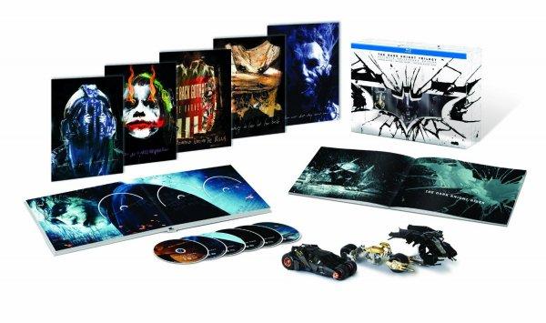 [Amazon] Batman The Dark Knight Trilogy Limited Edition Blu-Ray Collectors Box für 35€ [42% Ersparnis]