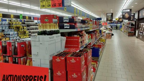 Lokal Oldenburg: Estrella Bier 0.33l Flasche @ Lidl
