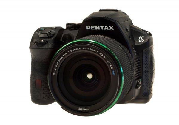 Pentax K-30 Kit 18-135 mm WR für 620,71€ @Amazon.fr