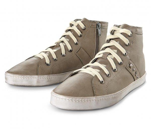 Damen Sneaker in Leder-Optik(Größen 38-40) für 19,95€ bei Lieferung in Tchibo-Filiale