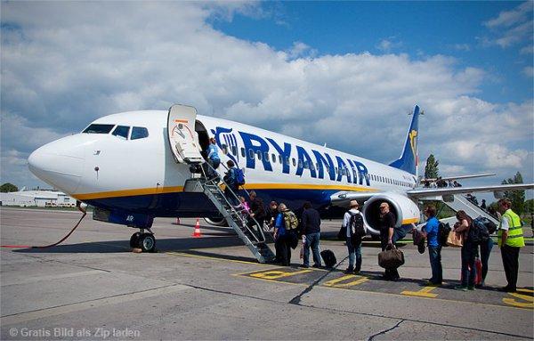 Ryanair NEU ab BERLIIN mit 16 neuen Strecken, Novembersale:Bari, Bratislava, Riga 25,-EUR/ Alicante,Valencia,Mallorca,Rom,Barcelona,Glasgow,Venedig,Mallaga,Brüssel, Athen,Bologna 29,-EUR/Palermo 44,-