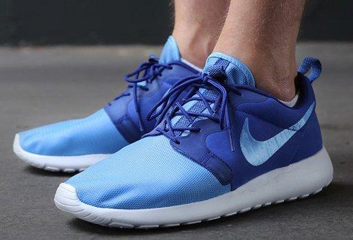 Nike Rosherun Hyp in blau (und andere Farben), viele Größen für 56€ @burner.de