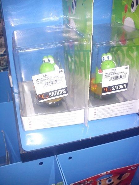 [Lokal] Saturn Berlin Alexanderplatz Nintendo Amiibo Mario und Yoshi für je 7,99€
