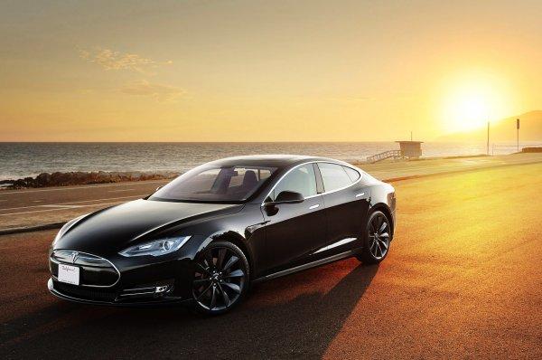 Gratis Tesla Model S Probefahrt in Frankfurt a. M.