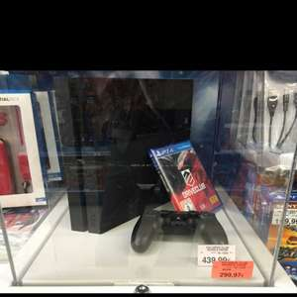 PS4 500GB Bundle Driveclub