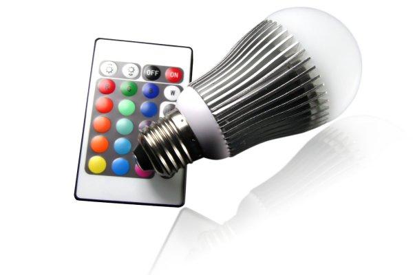 [Notebooksbilliger] Technaxx LED RGB Lampe, E27-Sockel, 5W, dimmbar, mit Fernbedienung (IR) für 12,89€