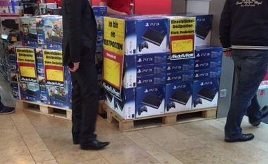 [Lokal] MM Düsseldorf Bilk PS3 12GB Superslim 99€ und 2 Bundles ...