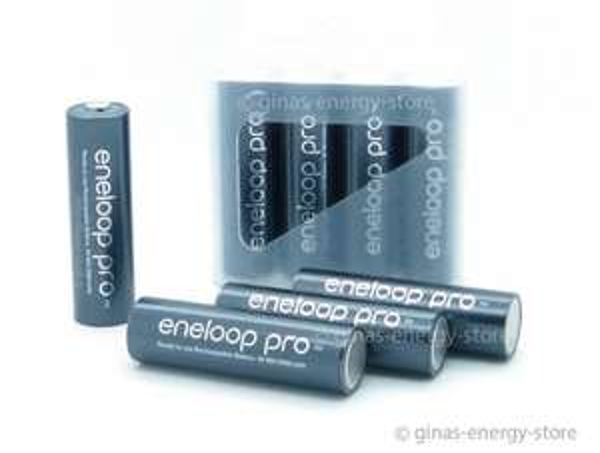 8 Stück Sanyo Panasonic Eneloop Pro XX,  Mignon Akkus mit  2450 mAh, inklusive 2 Stück Akkuboxen