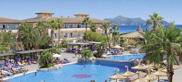 28 Tage Mallorca im Top 4,5* Hotel in direkter Strandlage mit Flügen, Zug zum Flug & Transfer (bei 3 Personen) für 206 Euro