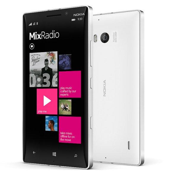 Lumia 930 weiß LTE (5'' FHD, 2,2 GHz Quadcore, 2 GB RAM, 32 GB intern) - €306,50 Neu