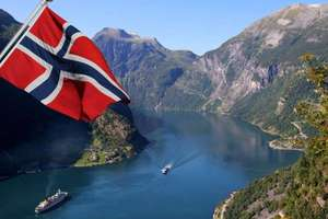 All you can fly: Mit Widerøe durch Norwegen fliegen