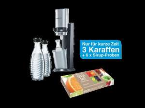 """[karstadt on-&offline] SodaStream Sprudelwasserbereiter """"Crystal"""" mit 3 Glaskaraffen und 6 Sirupproben"""