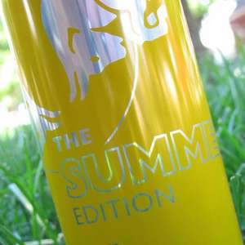 [Red Bull Newsletter] - 6 Dosen 'The Red Bull Summer-Edition' kostenlos bestellen