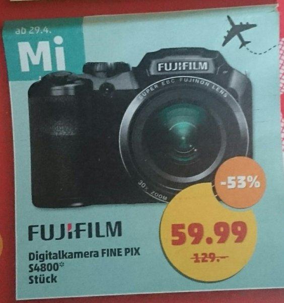 (Lokal Halle (Saale)?) Penny - Fujifilm FINE PIX S4800